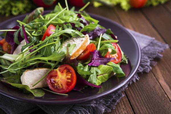 14. Rucola Salat con Parmigiano